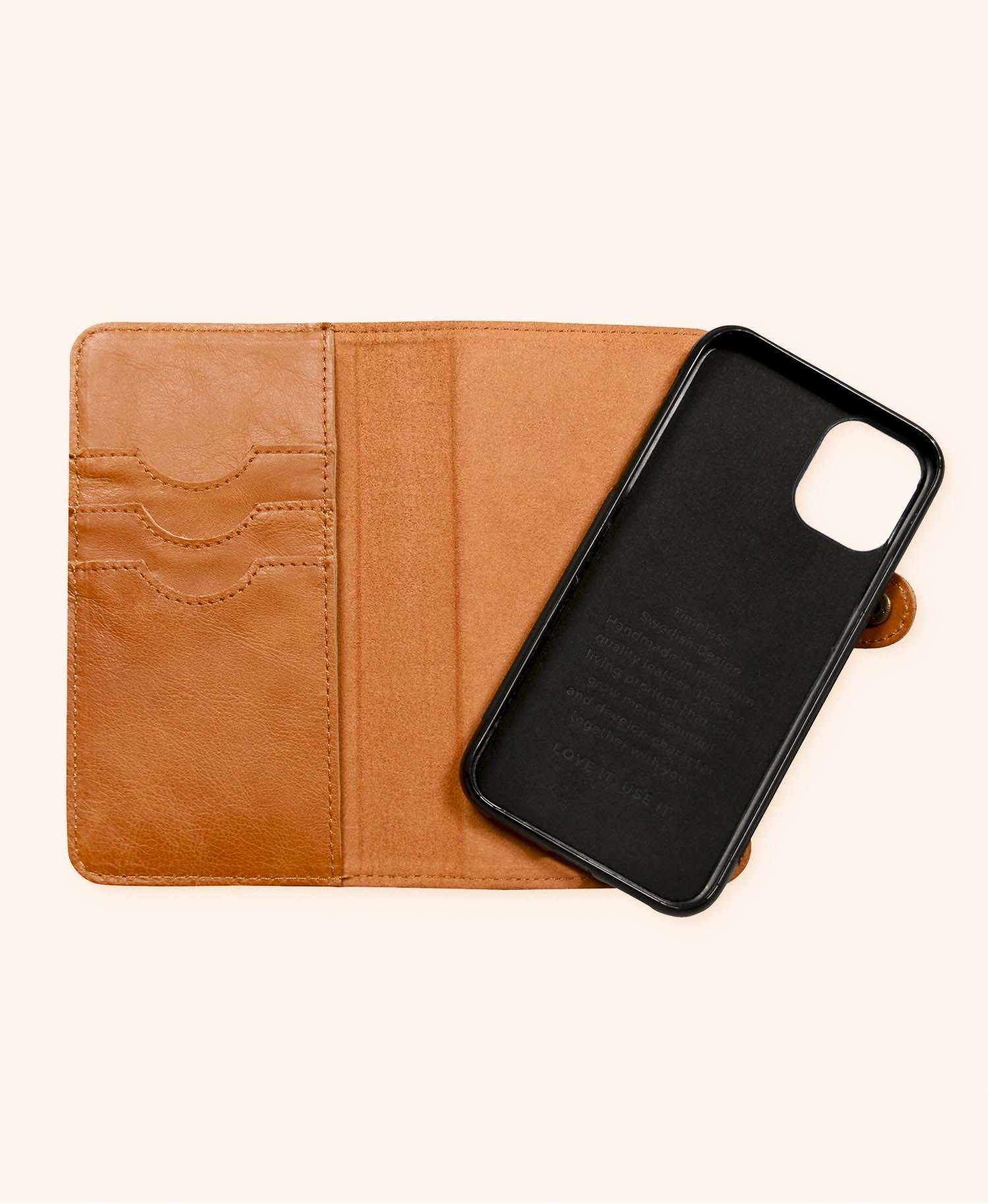 Andrew cognac wallet iphone 11 - open