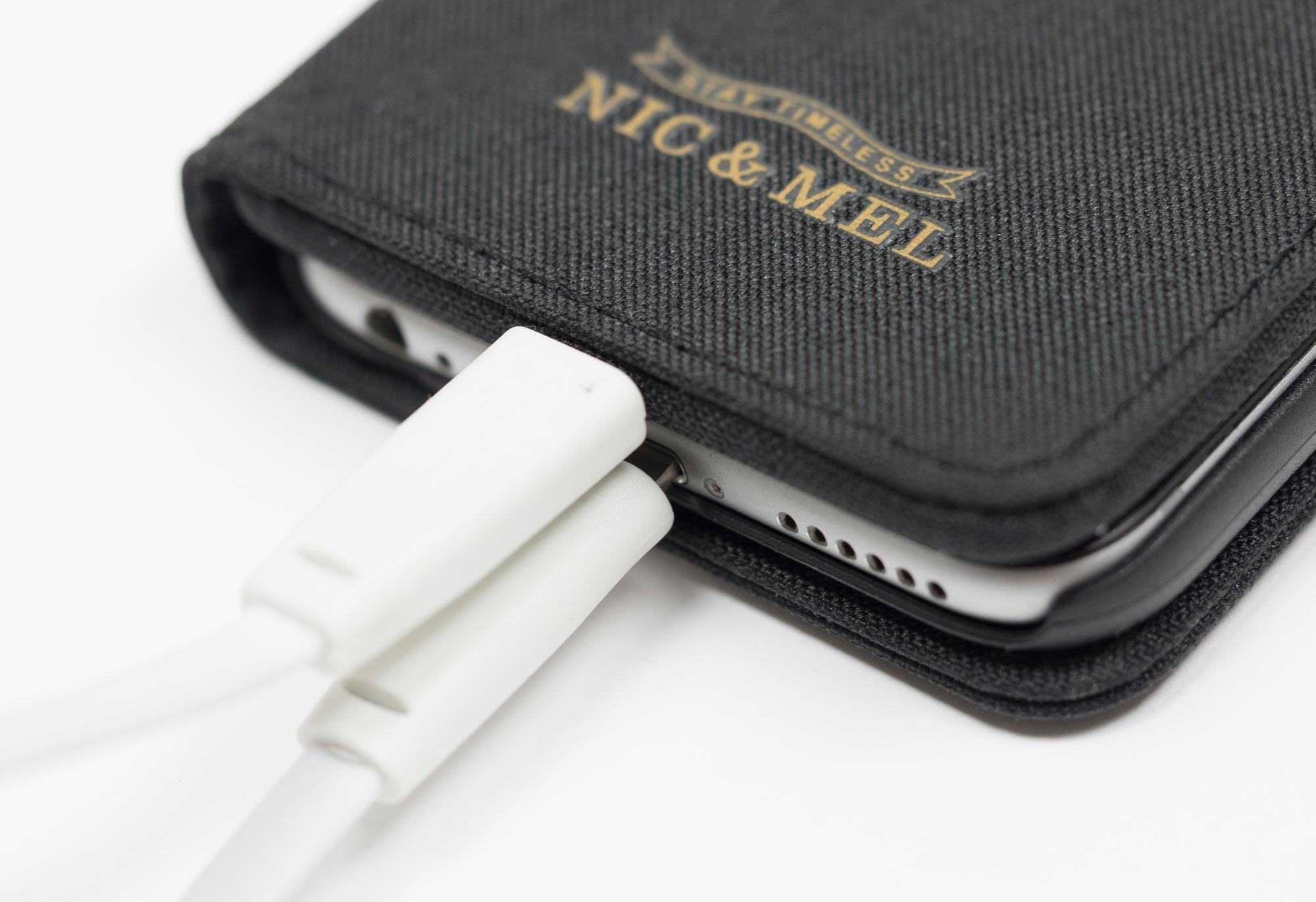Charge your iPhone 7 with Neil-powerbank-antracite-closeup_2